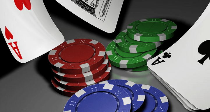 online poker, poker, gambling, jackpot, poker tips